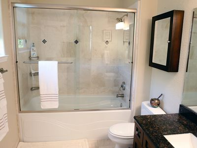 Sonoma townhome rental - Bathroom 1