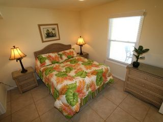 South Padre Island house photo - Roomy master bedroom with queen size bed