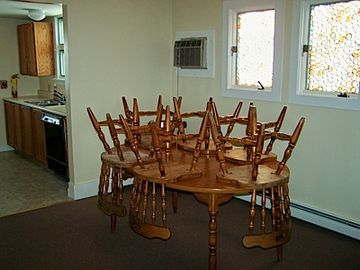 Dining Area - WIRELESS INTERNET INCLUDED