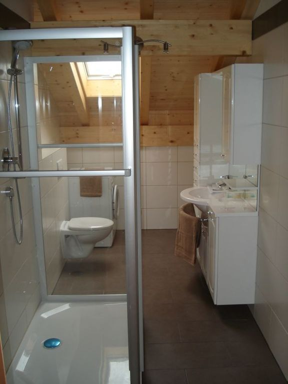 big bathroom Birkeneck 3 (top floor)