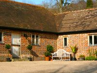 Beautiful Barn Conversion Holmbury St Mary - near Shere in Surrey Hills