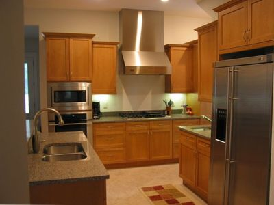 GOURMET KITCHEN: Gas stove in kitchen // TOP-of-line appliances.
