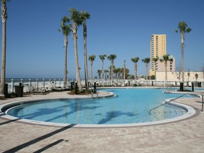 5TH FLOOR      GREAT RATES     ON THE BEACH