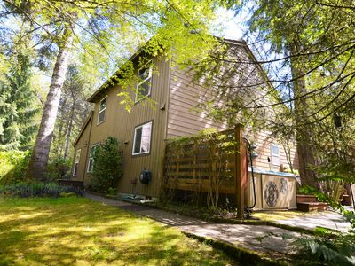 Hot Tub, Wifi,  Game room, Walk to Sandy River