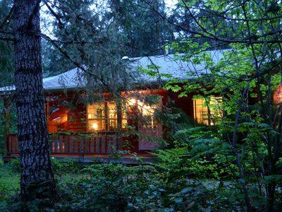 Endless Hiking, Hot tub, Hammocks,WF- $50 of all 5 night Bookings in Sept & Oct