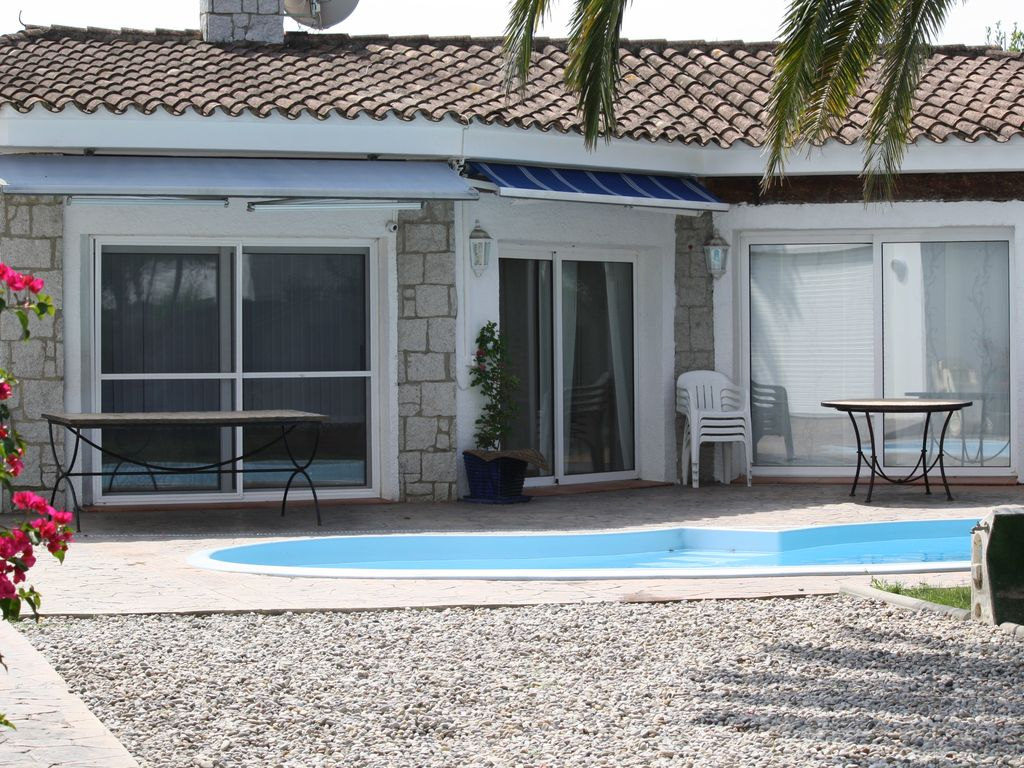 Check for Maison de vacances avec piscine privee