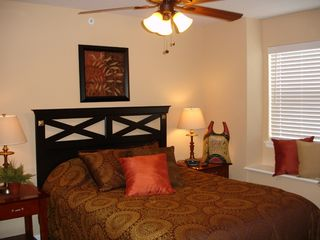 Branson condo photo - Bedrooms: Comfortable Beds, Drawers, Closet, & TV!