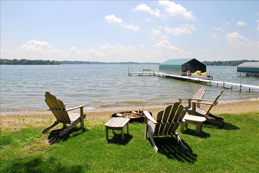 Living On A Lake : Lake Living at its Best - VRBO