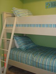 Fort Walton Beach condo photo - Bunk Beds w/ 21 inch screen TV
