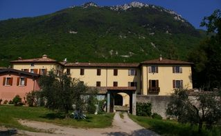 Toscolano-Maderno farmhouse photo - Front