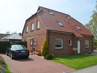 Semi-detached house in Lütetsburg - between the sea and water castle