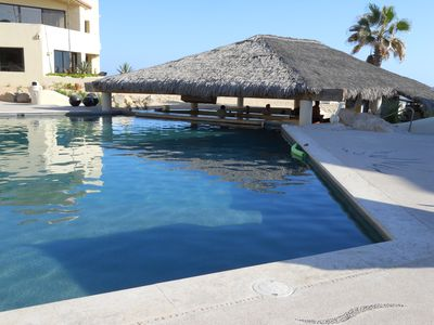Palapa restaurant and swim up bar