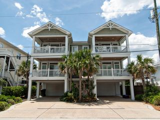 Great Craftsman Built Townhouse In The HomeAway Wrightsville Beach