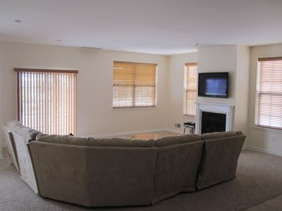 GREAT ROOM w/fireplace and plasma screen TV