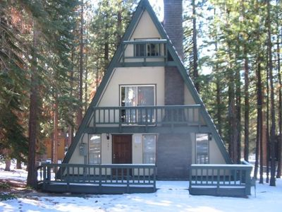 Front view of 5-bedroom cabin