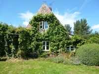 THE COIGN, pet friendly, with a garden in Thetford, Ref 27647