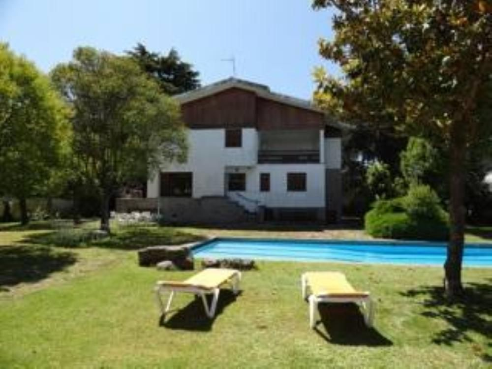House, 300 square meters, with pool