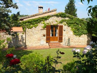 Chiusi villa photo - Right view direct access to bedrooms, nice roses garden