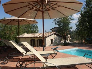 Acqualagna villa rental