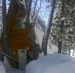 Big Bear Lake cabin rental - during the snow