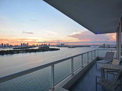 Luxurious 2 bedroom/2 bath waterfront condo on South Beach: Stunning Views