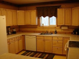 Houston cabin photo - Fully equipped kitchen for all your cooking needs.