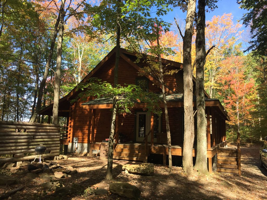 secluded luxury log cabin on 40 acres near vrbo