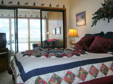 Master Bedroom with Sunroom and Great Views!!
