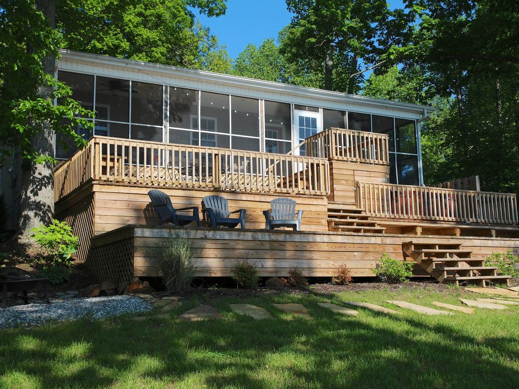Relaxing lakefront retreat in beautiful southern illinois for Cabin rentals in southern california