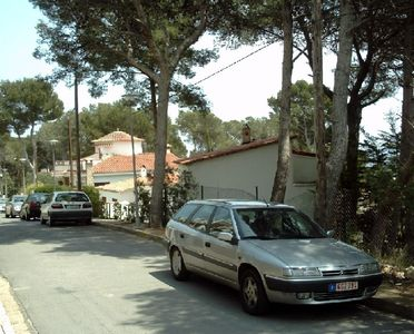 Carrer Alzina (parking on the street)