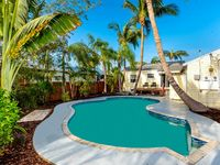 Charming old-Florida 2BR Home w/ Pool, close to A1A Beach, Atlantic Ave