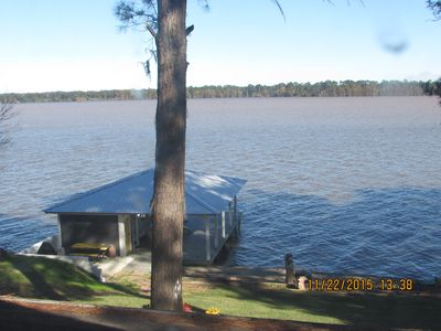Beautiful Lakefront Home On Big Water of Lake Blackshear. Relax, Fish And Swim.