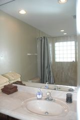 North Miami townhome photo - Bathroom 1