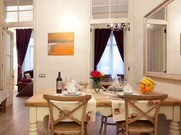 Nice dinning room the table sitsup to 6 people. Both bedrooms are open on the ba