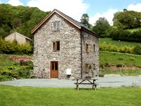 THE OLD MILL, pet friendly, with a garden in Llanfyllin, Ref 1799