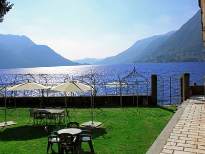 A sunny Spring day at Lake Como Beach Resort