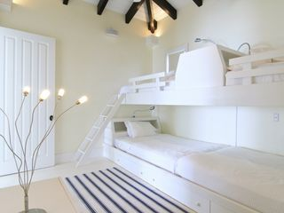 Providenciales - Provo villa photo - The Bunk Room, 2 full beds, 2 twin beds, great hide out for the kids, apple tv