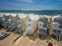 Sun Goddess, Beachfront 3BR/3BA, Sleeps 8, Dog Friendly
