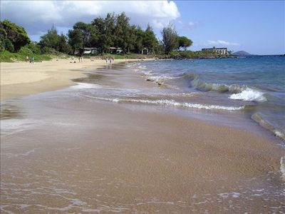 Unbelivable, Maui Kamole Beaches. Walk 3 miles along the beach and walkways.