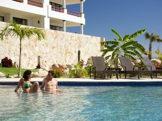 San Jose del Cabo condo photo - The third saline pool of the complex.