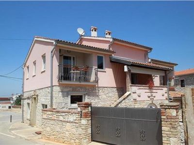 Apartment for 6 people in Novigrad