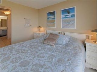 Makaha condo photo - King Size Bed