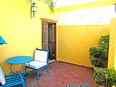 Casita La Mariposita: outside eating in private little patio (door to studio)