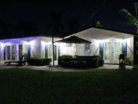 Beautiful Home With Heated Pool, Close To Beach And Shopping