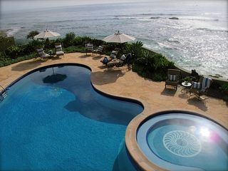 La Jolla house photo - Shall we swim in the ocean or pool today or just lay out at the pool beach side