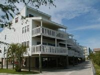 Cozy Condo with Pool Nestled Along Intercoastal Waterway. Beach Access.