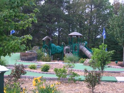 Woodland Mead Park mini golf, playground and much more under a mile away