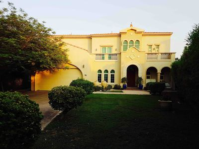 Massive 5 Bedroom Luxury Villa Private Pool and 5 Min Drive to Jumeriah Walk