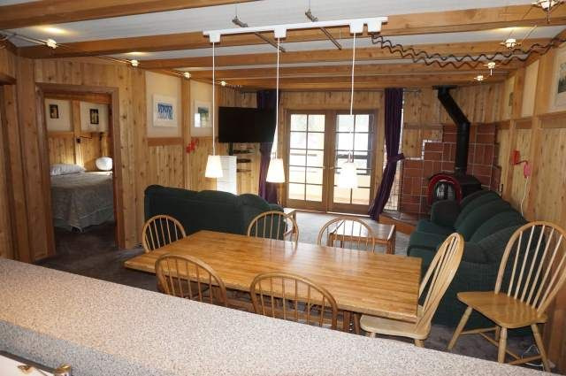 Best Location!!! 2 Bedroom Condos Across from Canyon Lodge