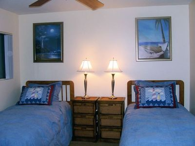 Dana Point condo rental - Guest Bedroom with Extra Long Twin Beds